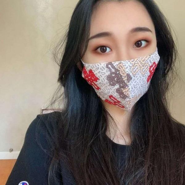 ブランドパロディバーバリーマスク 布製メンズレディース おしゃれ手作り布マスク 洗える夏対策/薄いマスク 洗えるmask やわらか 耳が痛くない