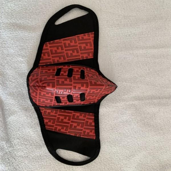 フェンディ マスク 1枚入り 革布製 大人 布マスク フットボール 飛沫対策 冬 花粉予防ますくmask おしゃれ 耳が痛くならない ウィルス 予防 普通 繰り返し使える 大人用マスク 男女兼用