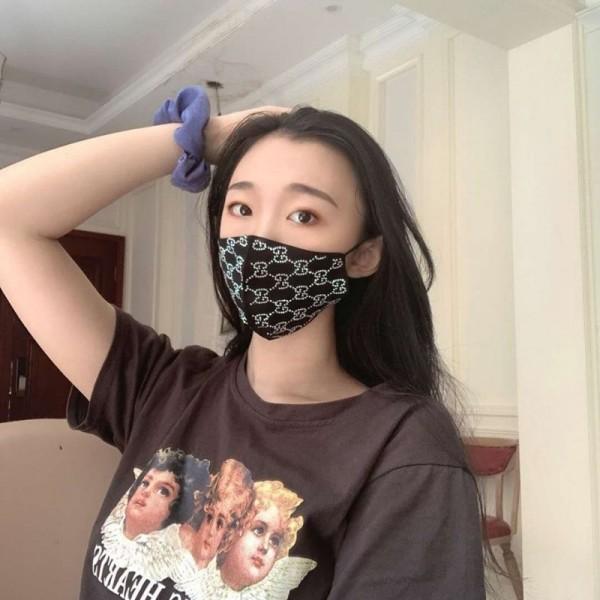 黒グッチ風ラインストーンおしゃれ布マスク 洗えるレディース学生マスク コロナ対策マスクコロナウイルス 布ブランドマスク風邪対策 咳
