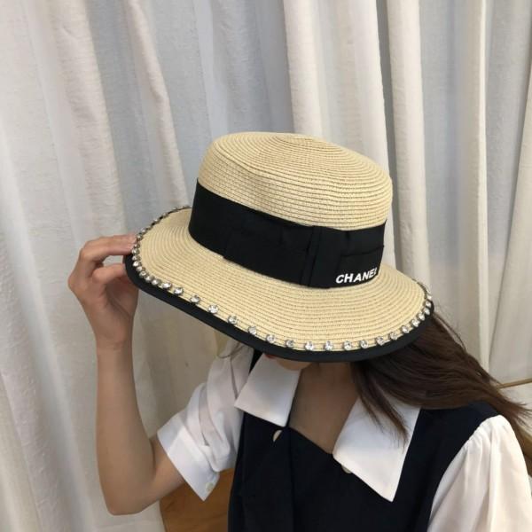 ハイブランドシャネル 麦わら帽子 女性 夏 全試合 ファッション ビーチサンハットイングランドスモールフレッシュトップハットつば広帽ハット chanelサイズ調整可 クールで快適 フラットつばの帽子サマーセール