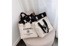 ファッションブランド Dior パーカーと LV トートバッグ