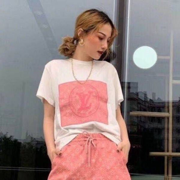 Louis Vuitton T-shirt 春 夏  修身 半袖 女性ファッション ヴィトン風 Tシャツ 若者愛用 薄手 おしゃれ トップス 可愛くて個性的な 激安