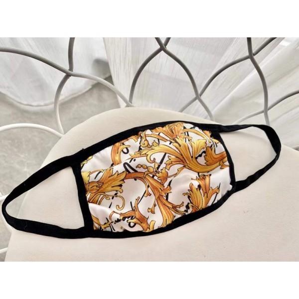 Versace フェイスマスク 洗える 繰り返し使える ストリートファッション 布 在庫あり 秋冬向け 飛沫感染予防 ウェルス対策 カジュアル 激安 スーパーコピー 偽物 ヴェルサーチ パロディ人気 メンズレディース