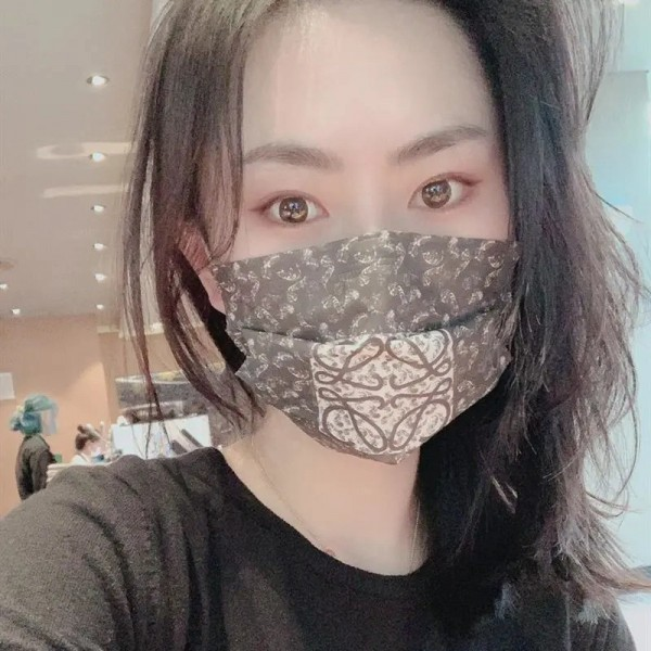 LOEWE/ロエベ 不織布マスクコロナ対策高級ブランド使い捨てマスク小顔フェイスマスク おしゃれレディース