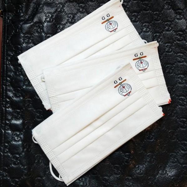 グッチかわいい不織布マスクブランドポコニャン絵柄ホワイト使い捨てマスクシンプル3層防護マスク男女兼用 大人サイズ