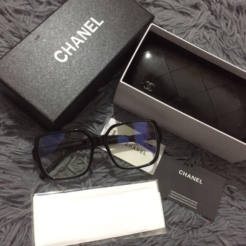 Chanelロゴマーク伊達眼鏡実用ブルーライト対策