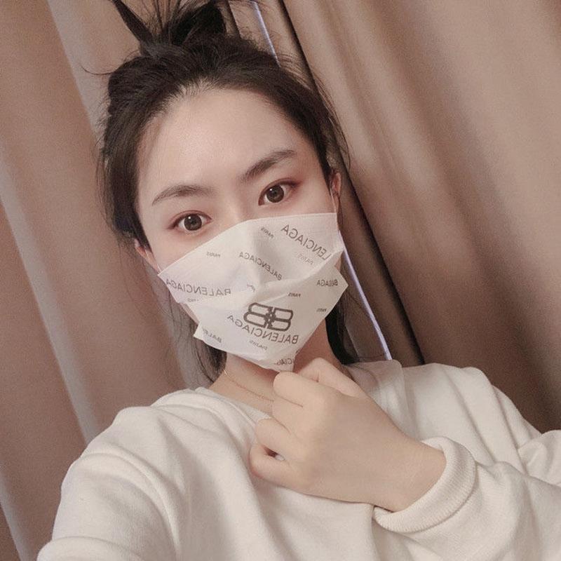 インフルエンザ ウィルス飛沫予防 10枚 お洒落花を付き コロナ対策 花粉症 マスク通販 大人用